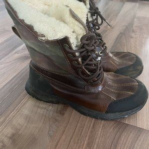 UGG Mens Butte Plaid Snow Boots Waterproof Leather